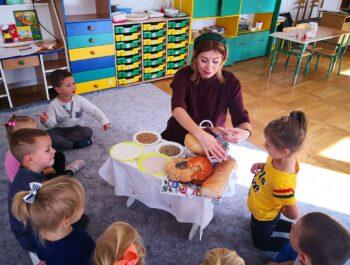 """Światowy Dzień Chleba w """"Pszczółkach"""""""